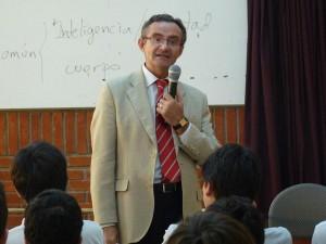 Sellés, autor de Antropología de la intimidad