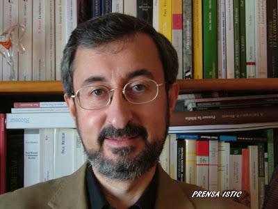 Tomás Domingo Moratalla, coautor de Bioética narrativa.